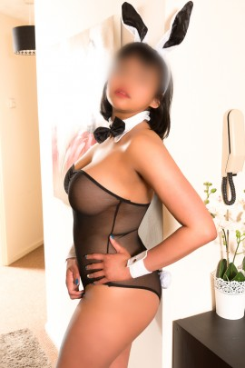 Priya Asian Escort in London & Milton Keynes
