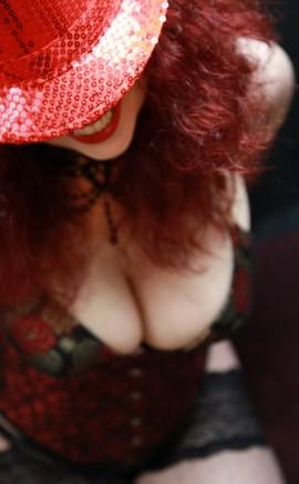 Scarlet Redd Escort In Hinckley