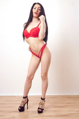 Anyta Brunette Escort In Enfield